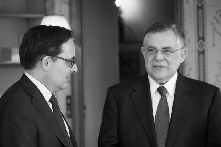 Fabien Baussart with Lucas Papademos, former Greek PM.