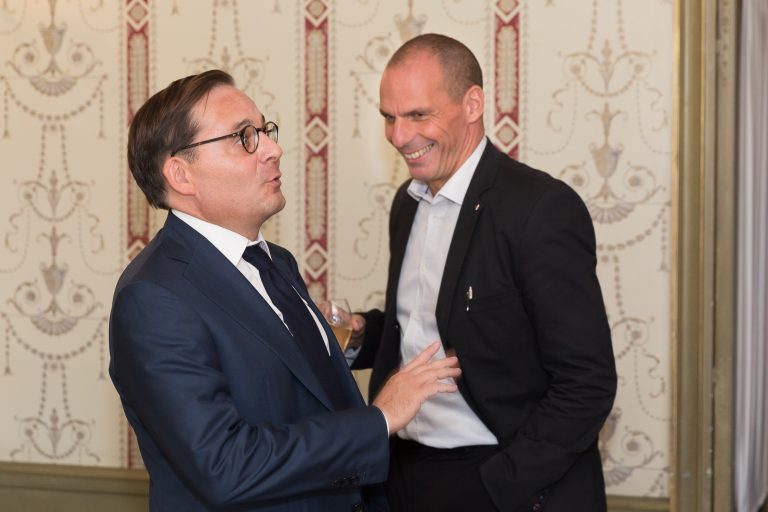 Fabien Baussart with Yánis Varoufákis, former Greek Minister of Finance.